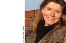 Dr. Anita Idel
